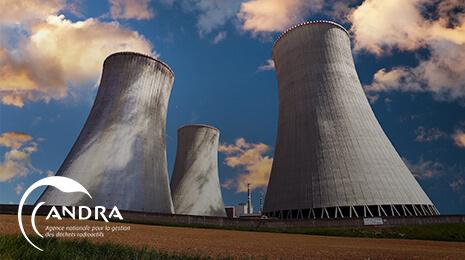 logo Andra avec la photo de 3 tours d'une centrale